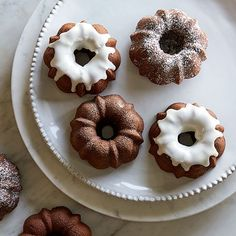 Mini Chocolate Bundt cake featuring the Pampered Chef Mini fluted cake pan Mini Tortillas, Top Dessert Recipe, Dessert Recipes, Yogurt Recipes, Mini Desserts, Glaze For Cake, Pampered Chef Recipes, Chocolate Bundt Cake, Cake Ingredients