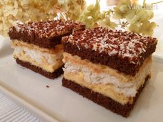 Lahodné kokosové rezy (fotorecept) My Favorite Food, Favorite Recipes, Czech Recipes, Oreo Cupcakes, Traditional Cakes, Eclairs, Wedding Desserts, Sweet And Salty, Food Design
