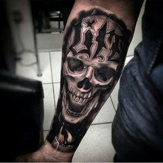 Skull tattoo life