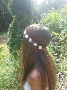New to dieselboutique on Etsy: Daisy headband Daisy Flower Crown Flower Headband White Daisy Daisies hippie boho bridal floral hipster bohemian gypsy edm USD) Daisy Headband, Flower Crown Headband, Flower Crowns, Flower Headband Hippie, Flower Headbands, Headband Hair, Hippie Flowers, Flowers In Hair, Flower Hair