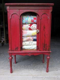 painted-furniture-mms-milk-paint-quilt-wardrobe