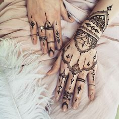 #Mehndi glove & #henna jewelry for @gutieliza #veronicalilu