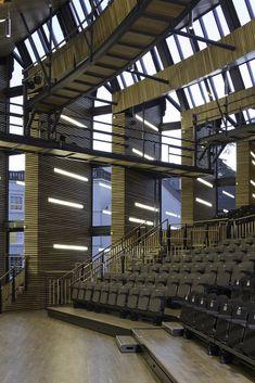 Galeria de Auditório Princess Alexandra / Associated Architects LLP - 4