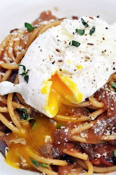 Caramelized Onions and Bacon Pasta
