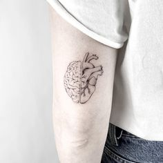 cute tattoos are offered on our website. Cute Little Tattoos, Small Tattoos For Guys, Tattoos For Women, Brain Tattoo, Tattoo You, Mini Tattoos, Finger Tattoos, Body Art Tattoos, Tatoos
