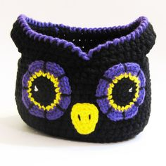 ***PDF DIGITAL DOWNLOAD - not an actual item*** This cute owl basket would be perfect sitting on a table for decoration, for holding knick knacks, or even as a Halloween trick-or-treat bag. You will need worsted weight yarn in the 2 strands main color, black, white, beak color, outside eye