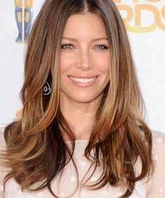 A close for favorite hair.Jessica Biel Long Golden Brown Hair with blonde highlights Brown Hair With Caramel Highlights, Hair Color Caramel, Blonde Highlights, Carmel Highlights, Color Highlights, Chunky Highlights, Natural Highlights, Golden Highlights, Caramel Blonde