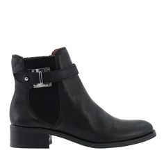 Stylish moto chic booties from @LouiseetCie will complete your outfit