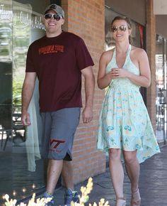 Britney Spears se ha dejado ver en varias ocasiones con David Lucado. ¿Estará enamorada de nuevo? #cantantes #singers #people #celebrities