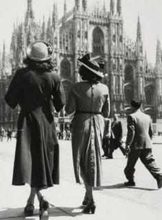 Fashion Photography, Milan ( 1940s).
