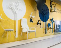 Swedese Shop Stockholm Strong contrast of yellow against white and black makes for a striking composition Stand Design, Display Design, Booth Design, Window Design, Wall Design, Furniture Showroom, Furniture Design, Exhibition Display, Exhibition Room