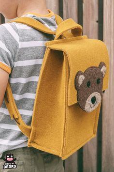 Yellow unique and cute school backpack for your kids, toddler. With a cute handmade bear. Animal Backpacks, Kids Backpacks, School Backpacks, Toddler Backpack, Organic Baby Clothes, Cute Bears, Felt Diy, Kids Bags, Wool Felt