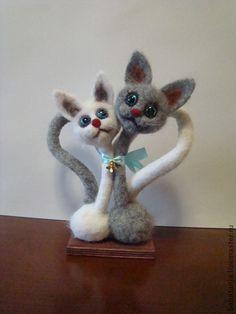 Игрушки животные, ручной работы. Ярмарка Мастеров - ручная работа войлочная валяная игрушка - Влюбленные котики. Handmade.