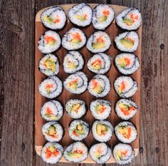 Eat Stop Eat To Loss Weight Sushis maison Plus In Just One Day This Simple Strategy Frees You From Complicated Diet Rules - And Eliminates Rebound Weight Gain Veggie Sushi, Sushi Fish, Sushi Recipes, Raw Food Recipes, Recipies, Vegan Foods, Vegan Dishes, Homemade Sushi, Fat Loss Diet