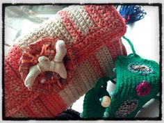angelina.d Bijoux handcrafted crochet clutch (cotton, real coral, tiny fish charms) and bracelet