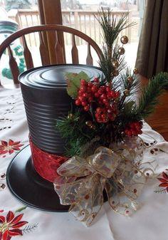 43 Pretty Christmas Hat Ideas That Trending In 2020 - Weihnachtsdeko Draußen Farmhouse Christmas Decor, Rustic Christmas, Simple Christmas, Christmas Home, Gold Christmas, Christmas Design, Christmas 2019, Christmas Trends, Christmas Projects