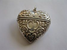 sterlling silver heart vesta case pendant locket vintage