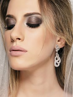 Maquiagem de Fábio Gonçalves para editorial de noivas da Closset Office. Fotografia Claudio Sartor
