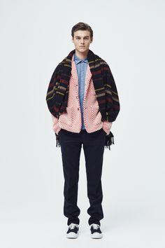 #15 Knit:TOMORROWLAND tricot/¥49,680 Shirt:TOMORROWLAND/¥17,280 Pants:TOMORROWLAND/¥24,840 Muffler:TOMORROWLAND/¥27,000 Shoes:SPECTUSSHOECO./¥21,060