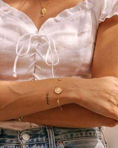 Our Golden Sun Coin Bracelet on the beautiful Lindsey of Lindsey Holland. - Our Golden Sun Coin Bracelet on the beautiful Lindsey of Lindsey Holland. Mini Tattoos, Wörter Tattoos, Tatoos, Woman Tattoos, Script Tattoos, Tattoo Quotes, Thigh Quote Tattoos, Woman Body Tattoo, Tattoo Name Fonts