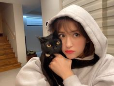 Kpop Girl Groups, Korean Girl Groups, Kpop Girls, Jeon Somi, Girl Artist, Ulzzang Girl, Jaehyun, South Korean Girls, Pop Group