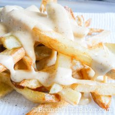 Homemade Nacho Cheese Fries - you can subsitute CravOn for the deep-fried fries in this recipe to avoid frying oil. #recipe via @Layla { Brunch Time Baker }