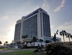 The lovely Omni Corpus Christi Hotel is located in the downtown Marina District with spectacular views of the Corpus Christi bay. Family Vacations In Texas, Family Road Trips, Corpus Christi Texas, Road Trip Packing, Hotel Stay, Skyscraper, Wedding Planning, Places To Visit, Travel