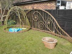 SalixArts gallery of living willow structures  domes and sculptureGarden Must Have  Woven Willow Fences and Trellises   Garden  . Living Willow Fence Panels. Home Design Ideas