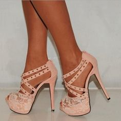 Retro Fashionable Rivet Platform Sandals