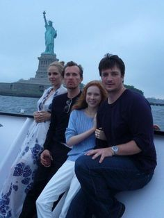 Molly Quinn Nathan Fillion, on the right
