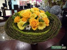 Yellow bouquet - Floristry. types of transformation of the leaves and their use