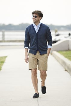 Your new favorite pants just might be shorts this season. Add linen, loafers, cardigans and blazers. There's no place shorts aren't welcome this summer from beach to bbq to boardroom. | Banana Republic