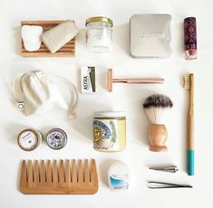 The Effective Pictures We Offer You About Zero Waste Lifestyle eco friendly A quality picture can te Natural Hair Care, Natural Skin, Bathroom Essentials, Eco Friendly House, Biomes, Natural Deodorant, Zero Waste, Mason Jars, Body Care