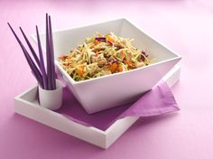Easy, delicious and healthy Hungry Girl-Scoopable Chinese Chicken Salad recipe from SparkRecipes. See our top-rated recipes for Hungry Girl-Scoopable Chinese Chicken Salad. Chicken Salad Recipes, Healthy Salad Recipes, Chicken Salads, Healthy Meals, Chicken Meals, Protein Recipes, Recipe Chicken, Healthy Cooking, Healthy Habits