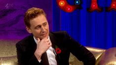 Tom Hiddleston being a fan, disturbed by fans, and an amazing dancer all in one interview.
