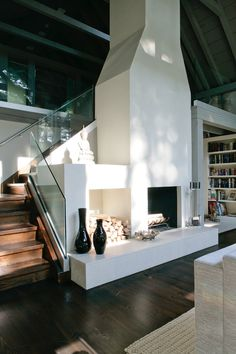 Cozy Modern Farmhouse Fireplace Ideas – Best Home Decorating Ideas Farmhouse Fireplace, Farmhouse Stairs, Fireplace Design, Stucco Fireplace, Fireplace Ideas, White Fireplace, Fireplace Modern, Fireplace Pictures, Simple Fireplace