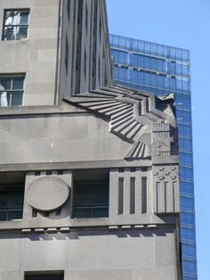 Art Deco eagle, possibly on the Empire State Building. Art Deco Font, Art Deco Era, Art Deco Design, Art Nouveau, Neoclassical Architecture, Architecture Details, Art Deco Buildings, Modern Art Deco, Beautiful Buildings