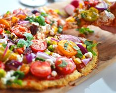 In Love With Health provides us with a delicious recipe on how to make a healthy pizza!