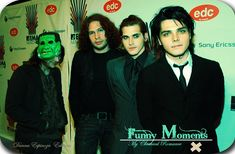 Mikey looks awkward, Gerard looks HOT, Ray looks the same as he does now 😱, and Frank...