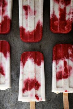 Recipe: Roasted Strawberry and Toasted Coconut Popsicles Summary: They're tie dye speckled and dang delicious. These popsicles aren't overly sweet[. Frozen Desserts, Frozen Treats, Just Desserts, Delicious Desserts, Dessert Recipes, Yummy Food, Fruit Dessert, Frozen Cookies, Dessert Healthy