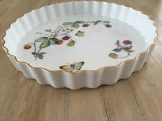 Vintage 1970 Royal Worcester Strawberry Fair by LalasCollections Quiche Dish, Worcester, Bridal Shower Gifts, Home Wedding, Pie Dish, Tea Set, Natural Light, Vintage Items, Unique Gifts