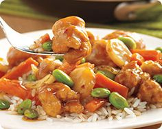 Schwan's Home Service NEW Orange Chicken Skillet Meal (446). Chef Jet brings us this Asian Inspired skillet meal featuring tempura breaded chicken with carrots, flame roasted onions, water chestnuts, edamame and a zesty made-from-scratch, orange sauce with a touch of sweetness. Comes with a microwaveable pouch of long grain rice.
