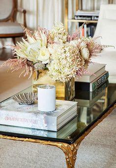 The Zhush: Home Tour: Soho Beauty - Coffee Table Style