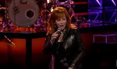 "Reba Wows ""The Voice"" Crowd."