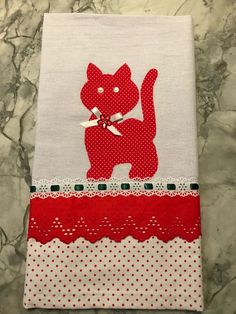 Love this applique cat design! Applique Patterns, Applique Quilts, Applique Designs, Quilting Designs, Mini Quilts, Baby Quilts, Cat Crafts, Diy And Crafts, Crochet Projects