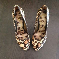 Gorgeous shoes .. Look in her poshmark closet for more goodies !