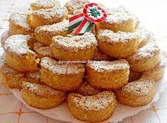 Tegnap megsütöttem és Karácsonykor is meg fogom:Karácsonyi mákos túrótorta receptje - MindenegybenBlog French Toast, Muffin, Cookies, Baking, Breakfast, Recipes, Breads, Dios, Kitchens