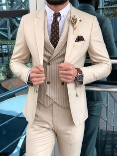 Handsome Beige Wedding Tuxedos Back Vent Slim Fit Notched Lapel Men Suits For Prom (Jacket Pants Vest Tie) - Man Fashion Prom Suits For Men, Terno Slim, Slim Fit Suits, Skinny Suits, Designer Suits For Men, Mens Fashion Suits, Mens Suits Style, Mens Casual Suits, Fashion Shirts