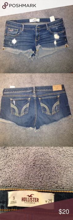 Cute size 9 hollister shorts! These hollister shorts are in amazing condition. They are a size 9 fit like an 8. They are relatively short and super cute with just about anything  !  Hollister Shorts Jean Shorts