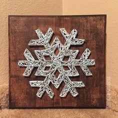 MADE TO ORDER Snowflake String Art Sign par StringsbySamantha